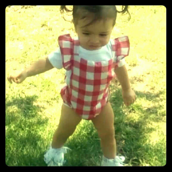 Other - Plaid baby outfit with hair bow